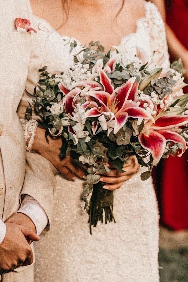 Hoa cưới và hoa cài áo của chú rể trong quan niệm đám cưới phương Tây