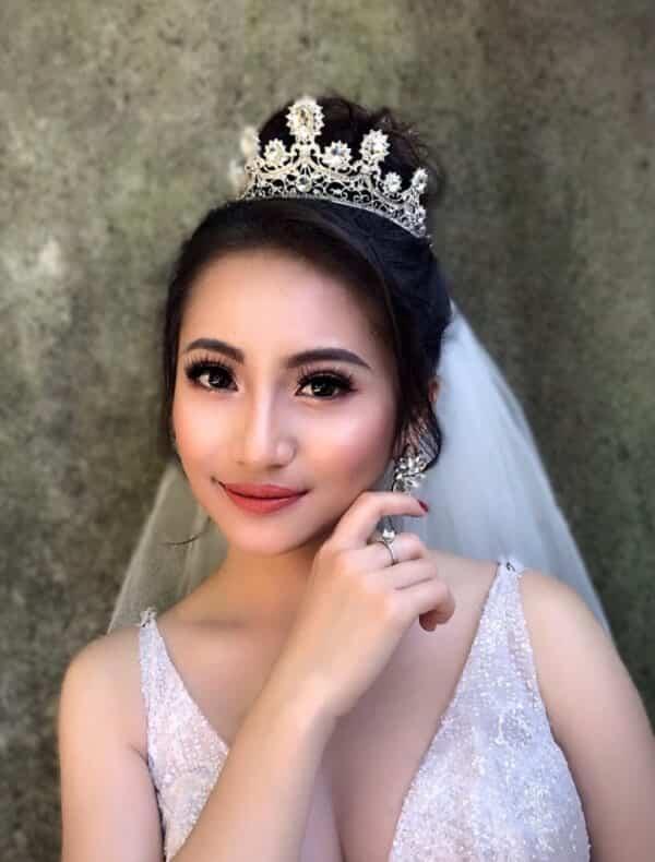 Tóc búi cao cô dâu - Ảnh 3
