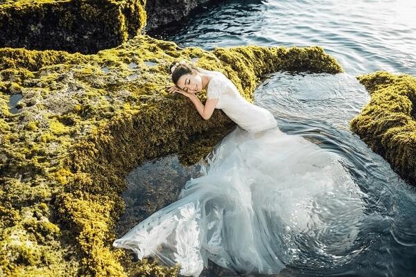 Lên concept chụp ảnh trước sẽ giúp bạn có một bộ ảnh cưới độc đáo