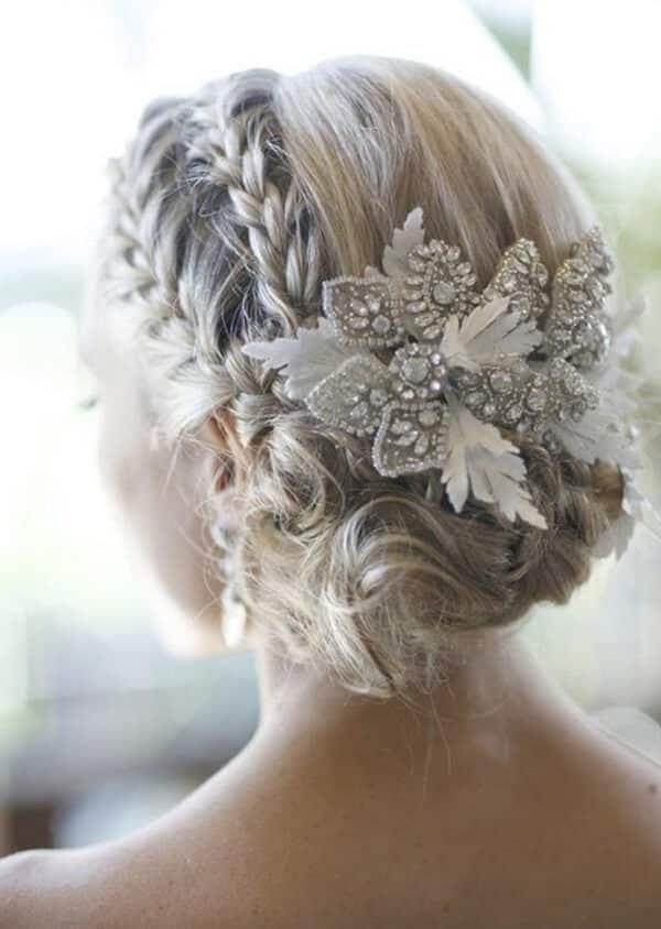 Tóc tết điệu đà giúp cô dâu xinh đẹp trong cưới - Ảnh 1