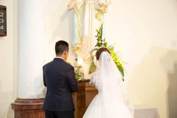 Lưu ý trang phục khi làm lễ cưới trong nhà thờ