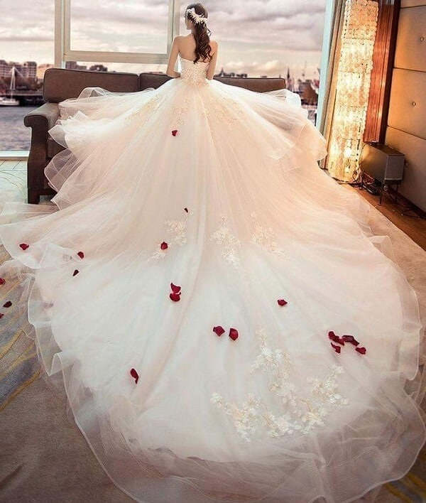 Kiểu tóc Hàn Quốc cô dâu đơn giản, dịu dàng đẹp nhất năm 2021